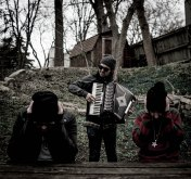 GOO The-Pines-accordion-credit-Benya-Kreuger